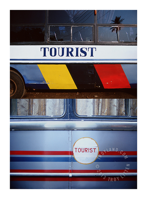 http://troyland.com/wp-content/uploads/2013/03/TimesTwo_IndiaTouristBuses_WM_653.jpg